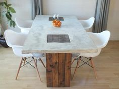 Completely built from scratch concrete and wood dining table. Concrete table top sits on 2 Table Beton, Concrete Dining Table, Diy Dining Table, Dining Table Design, Wood Tables, Patio Tables, Concrete Kitchen, Farm Tables, Kitchen Tables