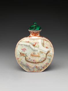 Snuff Bottle with Scene of Dragon-Boat Festival, Porcelain with overglaze enamel colors, malachite stopper, China, Qing dynasty Qianlong mark and period Art Chinois, Perfume Display, Dragon Boat Festival, Bottle Box, Small Bottles, Vintage Perfume Bottles, Qing Dynasty, Bottle Design, Chinese Art