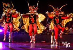 Lleva por nombre Diablada ya que la careta y los coloridos atuendos de los bailarines simulan la icónica imagen del diablo