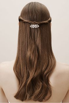 Clusters of faceted clear and opalescent stones lend major sparkle to this floral-inspired barrette. Beauty Salon Uniform Ideas, College Hairstyles, Bride Veil, Barrettes, Bridal Hair Pins, Hair Health, Hair Comb, Bridal Shoes, Hair Goals