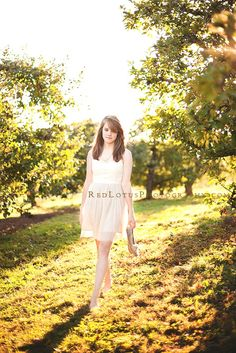 Vintage Inspired Senior Session by Red Lotus Photography on http://inspiremebaby.com