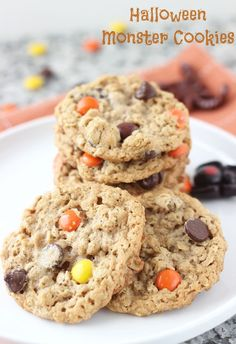 Halloween Monster Cookies- chewy crunchy peanut butter oatmeal cookies!