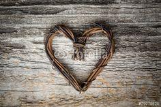 Сердце из веток фото