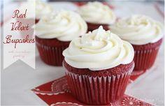 Red Velvet Cupcakes with Cream Cheese Frosting #cupcakes #dessert #redvelvet