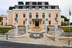 Wedding in a fashionable five-star hotel Atlantic Empire agency wedding package Lisbon Best Hotels In Lisbon, Guesthouse Hotel, Neoclassical Architecture, Empire, Palace Hotel, Five Star Hotel, Portugal Travel, Four Seasons Hotel, Hotel Spa