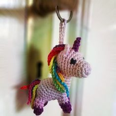 Crochet Unicorn Keychain Amigurumi Patterns Ideas For 2019 Poney Crochet, Crochet Pony, Crochet Horse, Cute Crochet, Crochet Crafts, Crochet Projects, Crochet Summer, Crochet Ideas, Diy Crafts