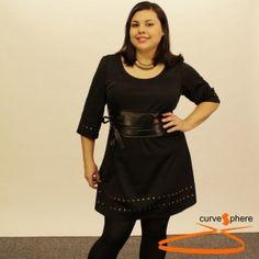 Vestido Negro con tachuelas en el bajo y las mangas. Vestido tallas grandes.