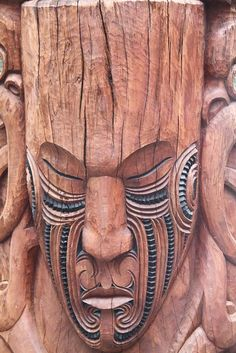 Maori Art, Wood Carving, Rotorua, New Zealand Holzschnitzen – Holzbearbeitung Tree Carving, Wood Carving Art, Wood Art, Wood Carvings, Wood Sculpture, Sculptures, Tiki Art, Tiki Tiki, Tiki Totem