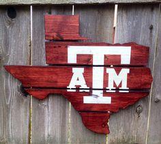 Texas A&M #texas #aandm #texasaggies #aggies #atm #ironbarkdesigns #upcycled #pallets #gigem #TX #pallet