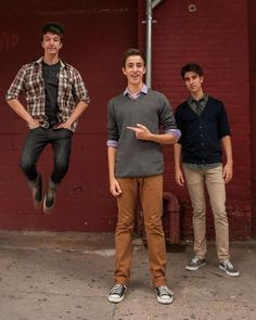 I didn't know Ryan could levitate! Or is that Jack doing it?