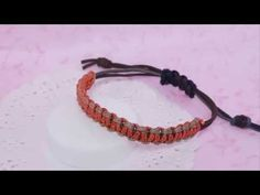 [소품제작] 초보자도 할 수 있는 쉬운 매듭팔찌 만들기 - YouTube Parachute Cord, Macrame Bracelets, Bracelet Tutorial, Grape Vines, Knots, Diy And Crafts, Beads, Jewelry, Youtube