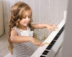Girl playing Piano #kid #music