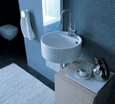 Il lavabo Twin Set 42 di Ceramica Flaminia: un prodotto iconico disegnato da due dei più grandi architetti del Made in Italy