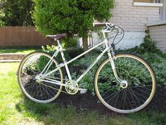 I chose a mid Peugeot mixte frame as the platform for the build. Johnson & Wales University, Classic Bikes, Road Bikes, Vintage Bicycles, Peugeot, Cycling, College, Platform, Frame