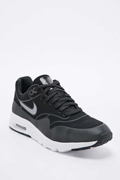 Nike Air Max 1 Ultra Moire Trainers in Black