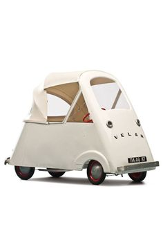 Velam, Child's Pedal Car, A steel version of the famous French bubble c… Velam, Tretauto für Kinder, Jahre. Microcar, Pedal Cars, Small Cars, Supercars, Baby Love, Vintage Cars, Cool Kids, Little Ones, Kids Toys