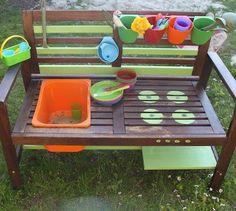 How I built a mud kitchen from a garden bench - Garten: Ideen, DIY, Must Haves und Inspirationen - Outdoor Kitchen Garden Types, Diy Garden, Garden Projects, Diy Projects, Mud Kitchen, Backyard Playground, Outdoor Play, Kids And Parenting, Diy For Kids