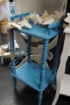 diddle dumpling: turquoise telephone stand