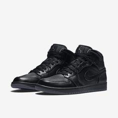 dae7e53dd550 Air Jordan 1 Mid Men s Shoe Jordan 1 Mid
