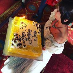 Jenna celebrates her 30th birthday on set. April 27, 2016. From David Oakes' Instagram.