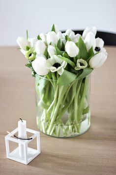weekend flowers, white tulips and french anemones, kubus, via http://www.scandinavianlovesong.com/