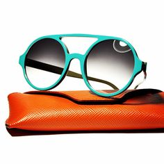 IL TOCCO TURCHESE - Color feeling deciso e contemporaneo nello stile creativo di Pollipò Occhiali Eyewear. Occhiali da sole rotondi modello P600 ad un passo dai tuoi occhi.