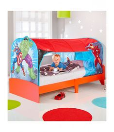 Transform your little superhero's room with this cool Marvel Avengers Over Bed Tent Den that fits over a standard size single bed. Free UK mainland delivery available Avengers Bedding, Marvel Bedding, Avengers Bedroom, Marvel Avengers, Little Boy Beds, Marvel Room, Superhero Room, Kids Tents, Fabric Canopy