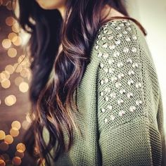 Sweater with beautiful detail! Teen Fashion, Love Fashion, Fashion Beauty, Womens Fashion, Fashion Hair, Fall Winter Outfits, Autumn Winter Fashion, Looks Style, Style Me