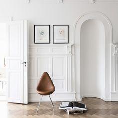 Arne Jacobsen, dråben stol.  Cathrine Raben Davidsen billeder.