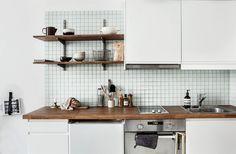 apartmentstori: The Kitchen sink Compact Kitchen, New Kitchen, Kitchen Dining, Kitchen Cabinets, Kitchen Sink, Dining Room, Kitchen Interior, Interior And Exterior, Scandinavian Shelves
