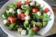 Mixed greens, cucumbers, onions, tomatoes and avocado Salad Recipes For Parties, Salad Recipes Healthy Lunch, Salad Recipes Video, Salad Recipes For Dinner, Fruit Salad Recipes, Chicken Salad Recipes, Fresco, Mozzarella, Pasta Salad For Kids