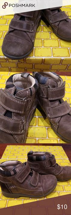 Clark's kids shoe First shoes, high tops, two Velcro, suede like material on the outside, blue check trim Clarks Shoes Boots