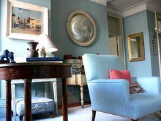 https://flic.kr/p/5R3Z4b   Shelia Bridges: Classic living room + Farrow & Ball 'Oval Room Blue'