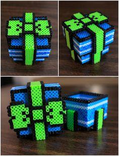Fuse Bead Gift Box by PkmnMasterTash on DeviantArt Pixel Beads, 3d Perler Bead, Diy Perler Beads, Fuse Beads, Pearler Beads, Perler Bead Designs, Hama Beads Design, Melty Bead Patterns, Pearler Bead Patterns