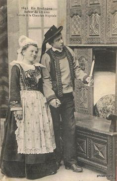 Old Photos, Vintage Photos, Box Bed, Folk Costume, Drawing People, Vintage Costumes, Brittany, Cute Couples, North America