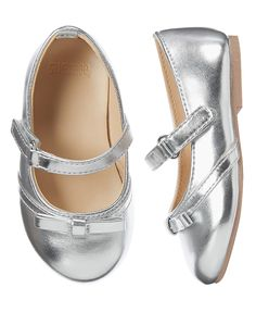 Toddler Girls Silver Metallic Ballet Flats by Gymboree. Toddler Girl Outfits, Kids Outfits, Kid Shoes, Baby Shoes, Elle Shoes, Easter Outfit, Church Outfits, Girls Party Dress, Girl Online