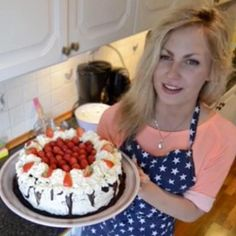Read all of the posts by Klaudia- chochlikikuchenne on Chochlikikuchenne Acai Bowl, Raspberry, Birthday Cake, Fruit, Breakfast, Food, Acai Berry Bowl, Morning Coffee, Birthday Cakes