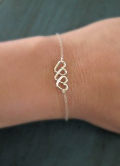 I feel like I can make this!! #TripleHeart #Bracelet #Cute