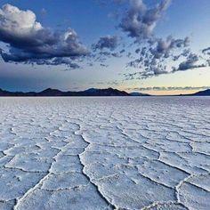 El Salar de Uyuni Bolivia. #elsalardeuyuni#Bolivia##creandoviajeros#viajayvive#grandesexperiencias#latinoamerica#buenoslugares#buenavida#impresionantesvistas. Capturado por creandoviajeros