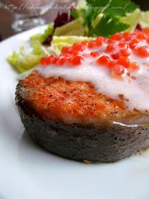 Предлагаю попробовать легкий рецепт вкуснейшей рыбки!!! Очень нарядное, красочное и праздничное блюдо. Для гостей то, что нужно, ну или...