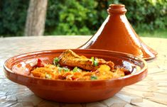Moroccan Cooking Tagine Tajine Pot Large Ceramic Serving Cookware Dish Clay New Chicken Etouffee, Etouffee Recipe, Moroccan Restaurant, Moroccan Dishes, American Dinner, Sunday Dinner Recipes, Salmon Recipes, Cooking Classes, Curry