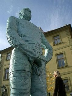Unusual Statues and Sculptures - Believe It or Not