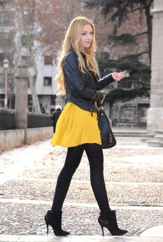 New dress black tights outfit street styles ideas Best Picture For Little Black Dress street style For Your Taste You are looking for something, and it is going to tell you exactly what you are Yellow Skirt Outfits, Black Dress Outfits, Winter Skirt Outfit, Fall Outfits, Casual Outfits, Cute Outfits, Dress Black, Black Skirts, Yellow Dress