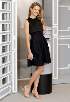 Natalia Vodianova en Christian Dior http://www.vogue.fr/mode/look-du-jour/articles/natalia-vodianova-en-christian-dior/18128