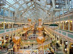 loved shopping here! Dublin Shopping, Shopping Street, Shopping Malls, Shopping World, Santa Lucia, Places To Travel, Places To Visit, Large Greenhouse, Grafton Street