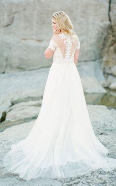 wedding dress idea; Featured photographer: Sophie Epton Photography