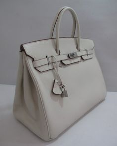http://www.ahandbag.se/purse/