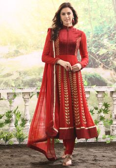 Maroon and Red Faux Georgette Anarkali Churidar Kameez India Fashion, Ethnic Fashion, Asian Fashion, Indian Look, Indian Ethnic Wear, Red Indian, Indian Style, Pakistani Outfits, Indian Outfits
