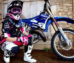 When I get some gear and stuff I want some pictures like this and my bike Motocross Photography, Bike Photography, Dirt Bike Gear, Motorcycle Gear, Dirt Biking, Lady Biker, Biker Girl, Hummer, Motocross Girls