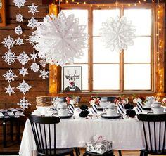 Laita lumihiutaleet leijumaan ja taiteile silkkipaperista kauniit ruusut pöytää koristamaan! Askartele itse kauneimmat joulukoristeet.